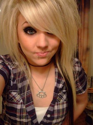 75 pictures of pretty emo girls  emo rawr